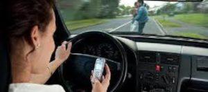 En la Florida textear mientras maneja le saldrá caro en el 2020