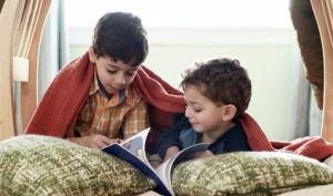 ¿Por qué los hermanos mayores no deben ser niñeras de los menores?