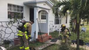 Acusan a sujeto por iniciar fuego en el condado de Fort Lauderdale