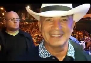"""El Freddy Bernal más rumbero: Se fue a una feria escoltado y vestido de """"vaquero"""" (VIDEO)"""