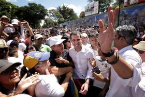 Carlos Montaner: Si a Juan Guaidó le tocan un pelo a su regreso a Venezuela, es el fin de la dictadura de Maduro