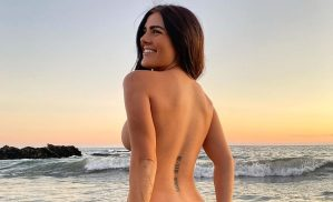 Sin temor: Katy mostró las nalgas en la playa sin pudor (¡BOING!)