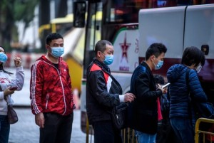 """China asegura que el coronavirus """"no es tan potente"""" como el Sras… pero sí más contagioso"""