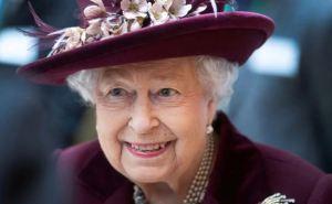 Reina Isabel II animó a la vacunación tras contar su experiencia: No duele nada