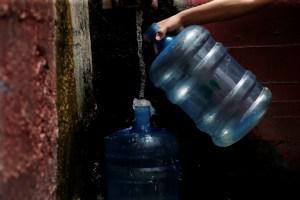 En FOTOS: Falta de agua impide a los venezolanos cumplir con la lucha contra el coronavirus