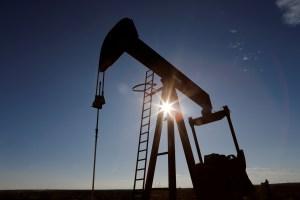 Fuerte caída del petróleo por temores sobre la demanda y aumento de exportaciones