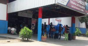 Chequearon a pasajeros que llegaron al terminal de San Antonio del Táchira desde Colombia (Fotos)