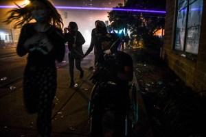 Protestas se multiplican en EEUU pese a la inculpación de un policía por la muerte de George Floyd (Fotos)