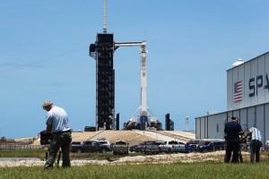 SpaceX confirma lanzamiento este sábado de su primer cohete tripulado