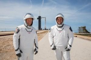 ¿Quiénes son los astronautas que viajarán al espacio este sábado?