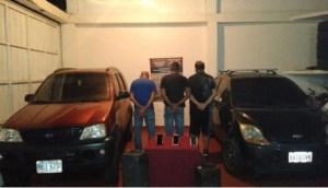 Detenidos tres hombres en Catia la Mar por vender gasolina en dólares