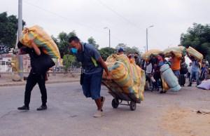 Hacinados y sin alimentos: Así son tratados por la dictadura de Maduro los migrantes venezolanos