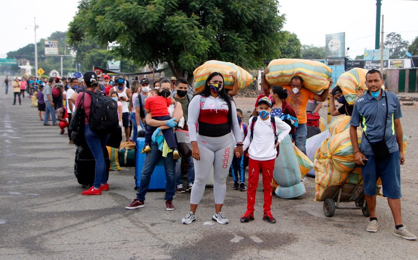 El mundo, ante el reto de ayudar a migrantes venezolanos en plena pandemia