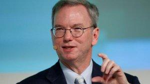 Huawei envía datos al régimen chino, afirma ex CEO de Google