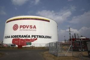 Equipo de Biden evalúa autorizar intercambio de crudo por combustible para Venezuela