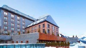 Así es el impactante hotel que compró Lionel Messi en el lugar más exclusivo de esquí en España