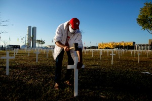 Brasil superó las 64 mil muertes por coronavirus