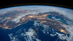 La velocidad del giro de la Tierra parece estar acelerando