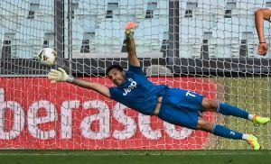 Gianluigi Buffon aumentó su leyenda tras nuevo récord en la Serie A