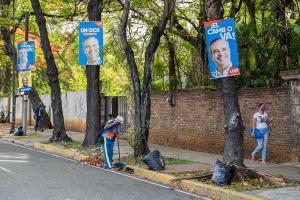 En plena pandemia, dominicanos celebran comicios más reñidos en casi un cuarto de siglo