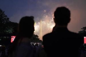 En el día de su Independencia, Estados Unidos registró más de 43 mil nuevos casos por Covid-19