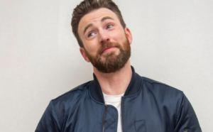 """¿Será digno Chris Evans? El """"martillo"""" del Capitán América se filtró en redes (Uff + Fotaza)"""