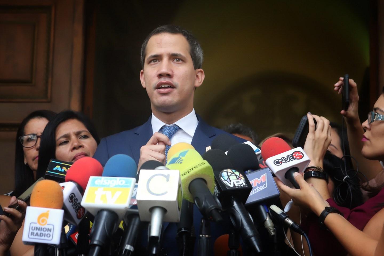 Juan Guaidó nombra a sus representantes para Bolivia y Chile