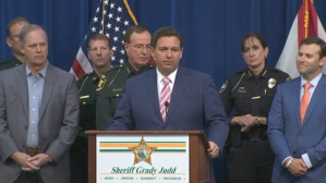 Gobernador de Florida anunció una propuesta de ley que tomará medidas enérgicas contra las protestas violentas