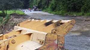 La carretera hacia Ocumare de la Costa ya fue despejada