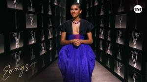 Diamantes y un sofisticado atuendo: Zendaya y el look con el que impactó en los Emmy desde casa