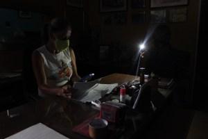 Denuncian que varios estados de Venezuela se encuentran sin luz este #28Nov