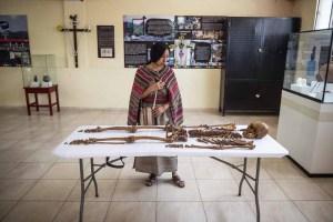 Los restos de una mujer que vivió hace 600 años maravillan a arqueólogos en Perú (Fotos)