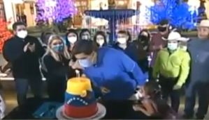 EN VIDEO: Maduro y su sueño frustrado de apagar la vela con TAPABOCAS