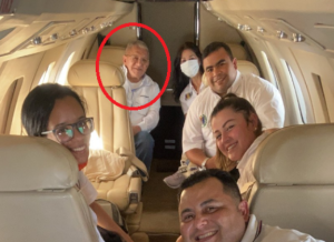 ¿Enchufado? Bernabé Gutiérrez se echó un viajecito a Puerto Ayacucho en avión privado (FOTO)