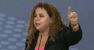 """Red Fashion: El """"relojito"""" que lució Iris Valera en el falso debate para el show electoral (FOTO-DETALLE)"""