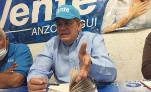 Omar González: Descuartizan vagones del tren Tinaco-Anaco para venderlos como chatarra