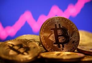 Sombrío pronóstico: Qué pasaría con el precio del bitcóin si se conoce la identidad de su creador