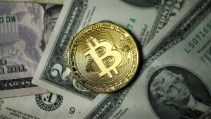 Bitcóin se hundió tras alcanzar su récord el pasado fin de semana