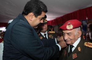 General en jefe Jacinto Pérez Arcay habría dado positivo por coronavirus