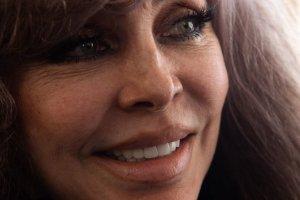 ¡Al natural! La actriz Verónica Castro presumió su rostro sin filtros, ni maquillaje (FOTO)