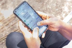 Un SMS rompe el silencio de las supervivientes de violencia machista en Kenia