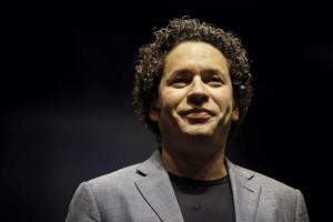 Gustavo Dudamel regresa al Hollywood Bowl con Christina Aguilera y otros artistas