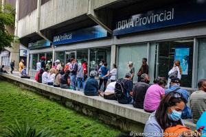 Bancos en Venezuela sobreviven con menos de la mitad de su personal