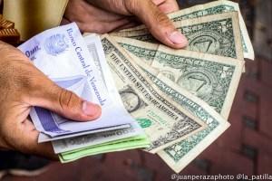 Dólar paralelo marcó un nuevo récord tras superar la barrera de los 4 millones de bolívares (FOTO)