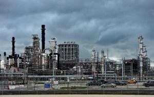 Refinerías de la Costa del Golfo de EEUU recortan producción por paralización del poliducto Colonial