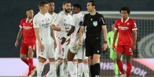LaLiga al rojo vivo: Un penal decretado por el VAR causó polémica en el Real Madrid y Sevilla (Video)