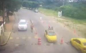 Sin revisión minuciosa: Así ingresó el carro bomba a la Brigada del Ejército en Cúcuta (VIDEO)