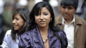 Polémica en Bolivia tras vacunación de la hija de Evo Morales cuando no le correspondía