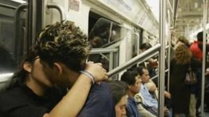 ¡Ay papá! Descubren una orgía masculina en pleno metro en la ciudad de Mallorca