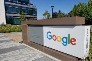 Apple y Google se plegaron a la ley rusa al suprimir una aplicación de la oposición